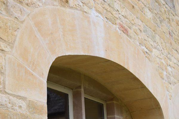 cotswold-stone-architectural-masonry-architrave